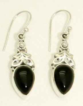 Fekete köves ezüst lógós fülbevaló