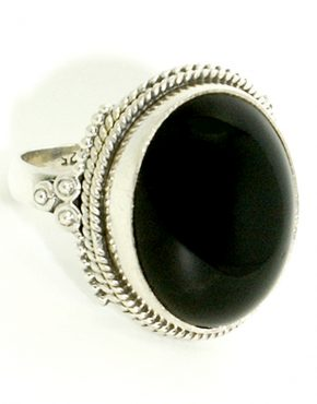 Antik hatású ezüst gyűrű onix-szal