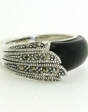 Egyedi és különleges ezüst gyűrű