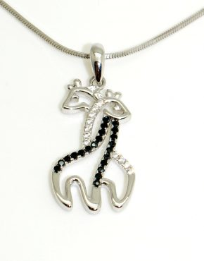 Szerelmes zsiráfok ezüst medál