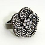 fekete virág gyűrű